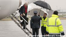 29.03.2018 *** Brexit. Prime Minister Theresa May arrives at RAF Northolt in London, during a tour of the four nations of the UK, with a promise to keep the country united one year before Brexit. Picture date: Thursday March 29, 2018. See PA story POLITICS Brexit. Photo credit should read: Stefan Rousseau/PA Wire URN:35756189 |