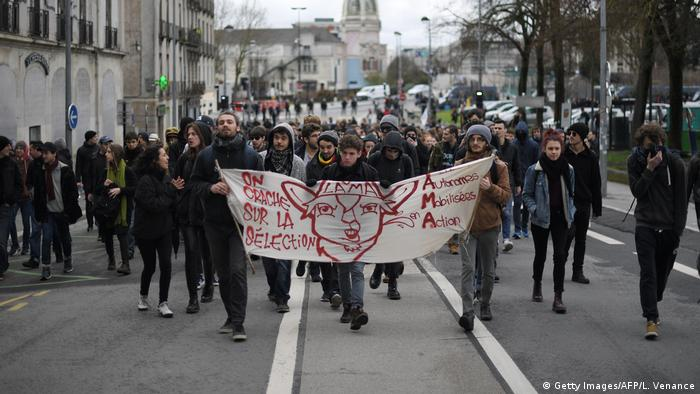 Student protest in Nantes (Getty Images/AFP/L. Venance)