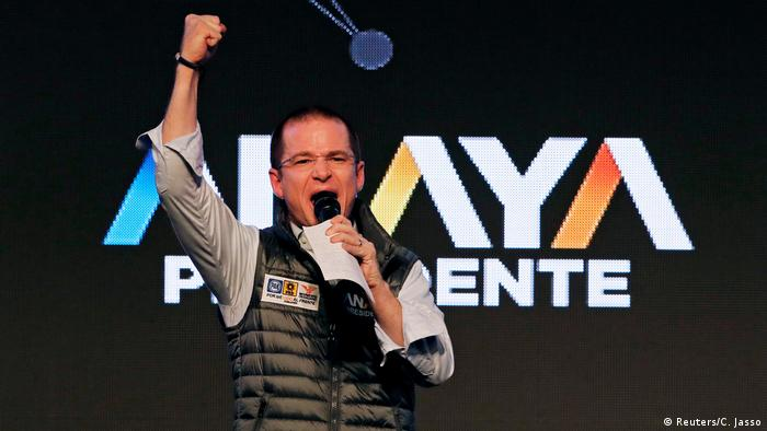 Ricardo Anaya on stage (Reuters/C. Jasso)