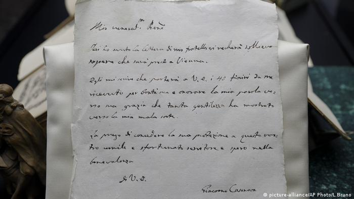 Handwritten letter by Casanova. (picture-alliance/AP Photo/L.Bruno)