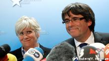 FILE PHOTO: Sacked Catalan leader Carles Puigdemont and former member of the Government of Catalonia Clara Ponsati attend a news conference at the Press Club Brussels Europe in Brussels, Belgium, October 31, 2017. REUTERS/Yves Herman/File Photo