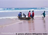 Na costa ocidental da África a pesca é ainda um importante fator económico