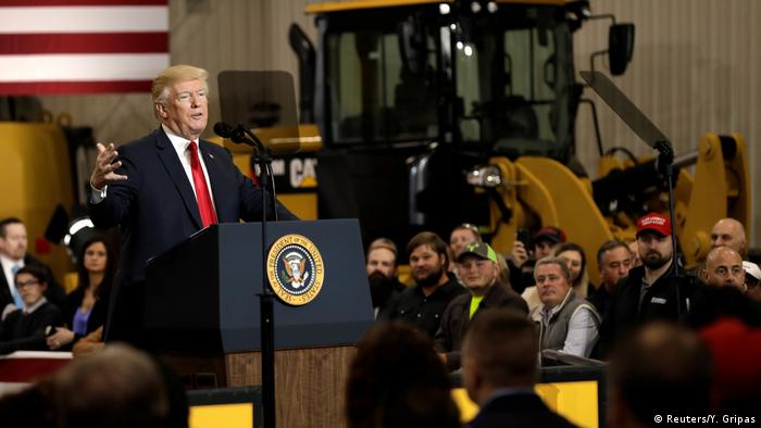 US Präsident Donald Trump vor Industriearbeitern in Ohio (Reuters/Y. Gripas)