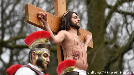BdT Germany Holy Week (picture-alliance/AP Photo/M. Meissner)