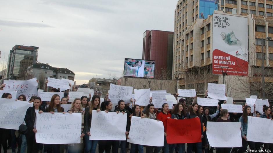 Dëbimi i i 6 gylenistëve nga Kosova edhe një më vit pas përplas ambasadat e QUINT dhe Turqisë