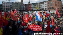 Easter march in Stuttgart (picture-alliance/dpa/M. Murat)
