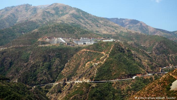 The S5H passes through mountains near Kukes.