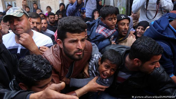 Gazakonflikt Beerdigung (picture-alliance/dpa/ZUMAPRESS)