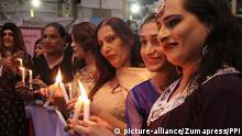 November 21, 2017 - Pakistan - KARACHI, PAKISTAN, NOV 20: On the occasion of International Transgender Day, eunuchs .are holding demonstration against gender violation, outside Karachi press club, o Monday, .November 20, 2017. They also hold candle light vigil against torture |