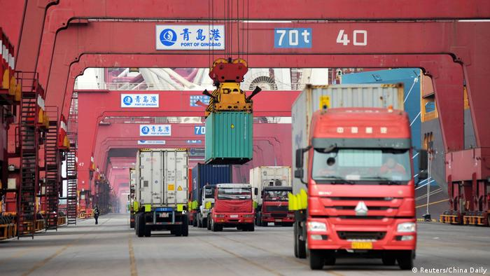 China Container-Hafen (Reuters/China Daily)