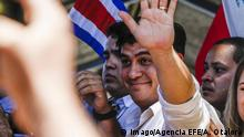 Carlos Alvarado, presidential candidate by the Partido Accion Ciudadana, waves to supporters after voting in a poll station in San Jose, Costa Rica, 01 April 2018. In this round, Costa Rica will pick the 2018-2022 President between Carlos Alvarado, of Partido Accion Ciudadana, and Fabricio Alvarado, of Partido de Restauracion Nacional. Second round of the presidential elections in Costa Rica !ACHTUNG: NUR REDAKTIONELLE NUTZUNG! PUBLICATIONxINxGERxSUIxAUTxONLY Copyright: xAlexanderxOtalorax SJS10 20180401-636582181580470242