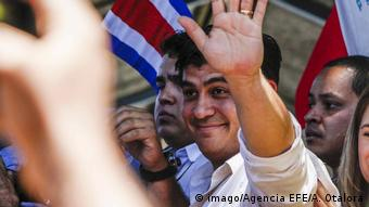 Costa Rica Mitte-Links Kandidat Carlos Alvarado liegt vorne (imago/Agencia EFE/A. Otalora)
