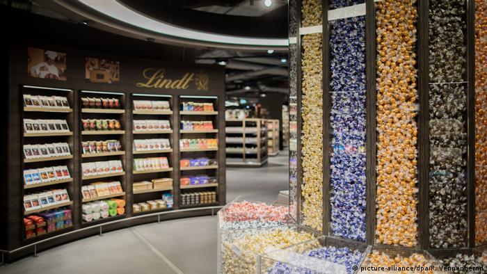 Deutschland Edel-Supermärkte (picture-alliance/dpa/R. Vennenbernd)