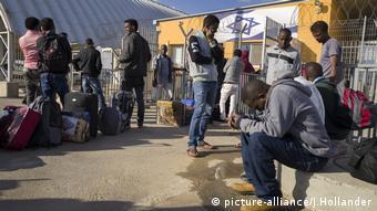 afrikanische Migranten in Israel protestieren gegen Abschiebung