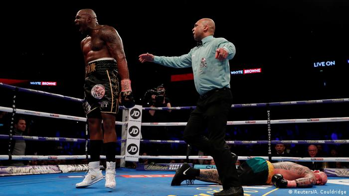 Dillian Whyte reacts after he knocks out Lucas Browne (Reuters/A. Couldridge)