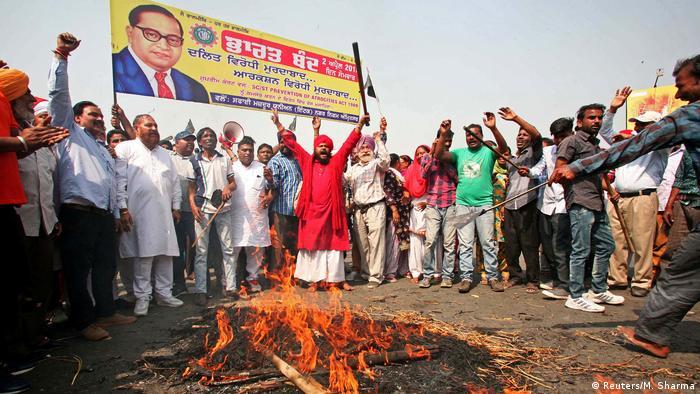 Indien Mindestens sechs Tote bei Protesten der niedrigsten Kaste