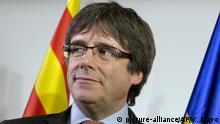 ARCHIV - 21.12.2017, Belgien, Brüssel: Carles Puigdemont, ehemaliger Präsident der spanischen Region Katalonien, kommt zum Square Meeting Center um sich die Verkündigung der Ergebnisse der Wahlen in Katalonien anzusehen. (zu dpa «Nächster Schritt im Ringen um Puigdemont-Auslieferung erwartet» vom 03.04.2018) Foto: Virginia Mayo/AP/dpa +++(c) dpa - Bildfunk+++ |