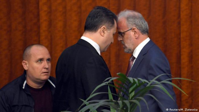 Mazedonien Nikola Gruevski und Talat Xhaferi Vorfall im Parlament in Skopje