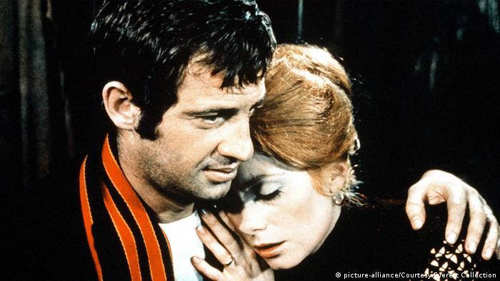 Jean Paul Belmondo com Catherine Deneuve no filme A sereia do Missisipi, de 1969