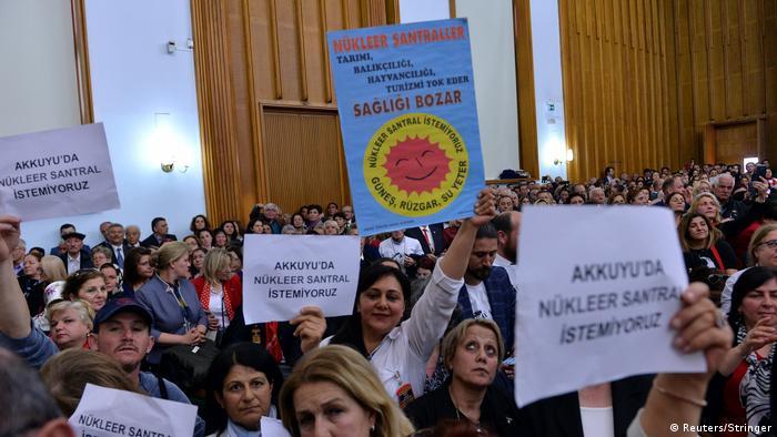 Türkei Demonstranten gegen den Bau des AKW in Akkuyu