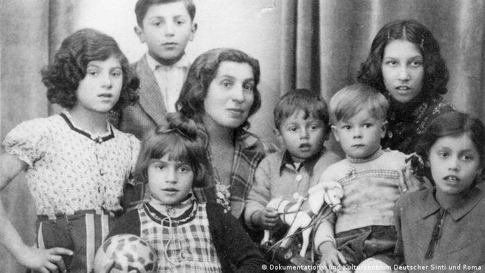 Dokumentations- und Kulturzentrum Deutscher Sinti und Roma | Alma Höllenreiner & Kinder