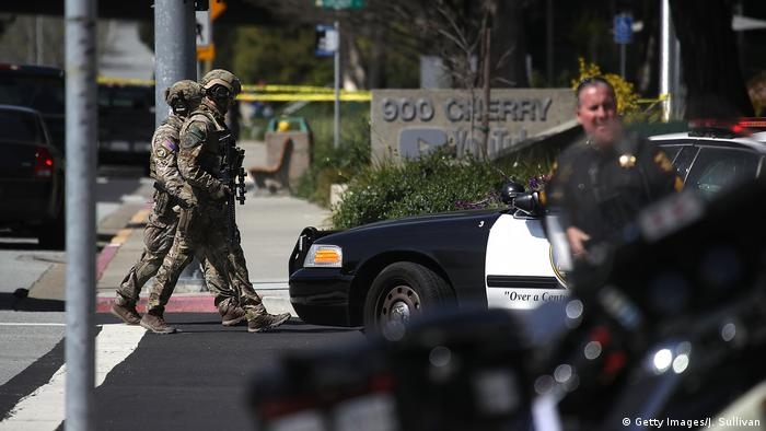 USA - Polizei-Einsatz wegen Schüssen bei der YouTube-Zentrale (Getty Images/J. Sullivan)