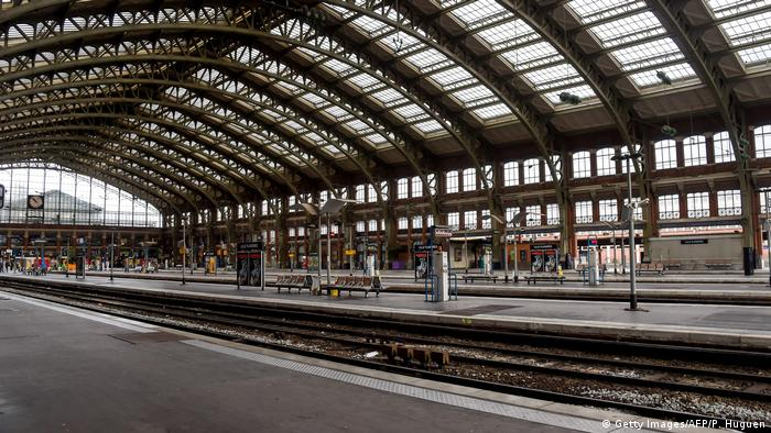 Empty station in Lille (Getty Images/AFP/P. Huguen)