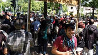 گوشهای از تظاهرات جمعی از ایرانیان در برلین (۱۴ ژوئن ۲۰۰۹)