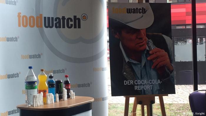 A Foodwatch usou o icônico cowboy da Malboro para representar a luta contra as bebidas açucaradas