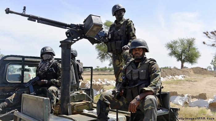 Kamerun Symbolbild Soldaten im Norden ARCHIV