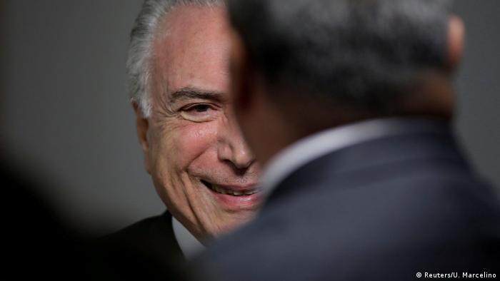 Brasilien Gerichtshof verhandelt über Haft von Ex-Präsident Lula | Temer (Reuters/U. Marcelino)