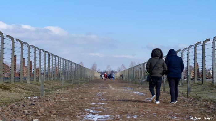 Gedenkstätte Auschwitz-Birkenau   Reise zum Jahrestag des Völkermords an Sinti und Roma