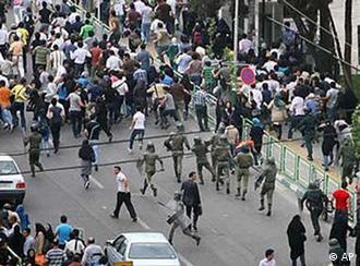 جنبش اعتراضی سال ۱۳۸۸ همه را غافلگیر کرد.