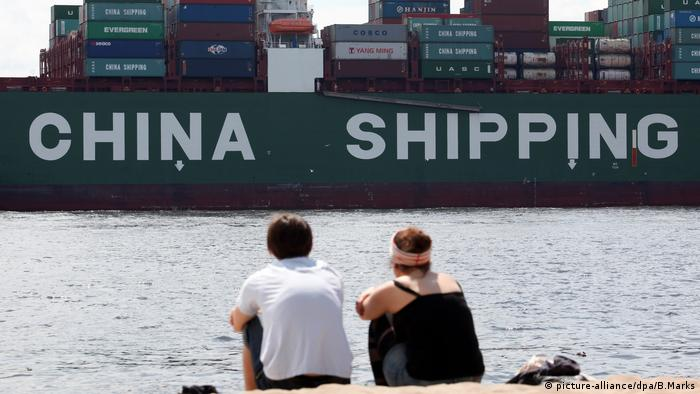 Handel Europa und China Hamburg Containerschiff