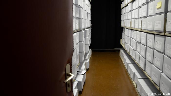 Miles de huesos de la época colonial siguen guardados en las bodegas de los museos alemanes.