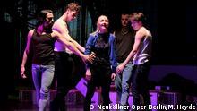 Musical Welcome to Hell. Copyright. Matthias Heyde/Neuköllner Oper Berlin. Stichworte: Musical Welcome to Hell, Neuköllner Oper, Berlin.