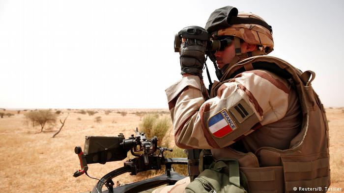 Ein französischer Soldat in Mali