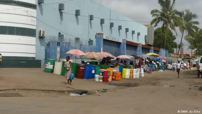 Mosambik - Straßenverkauf in Maputo
