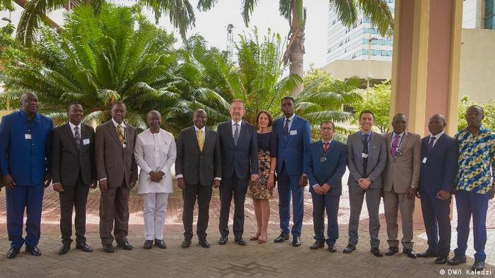 Participants at the G20 Compact with Africa meeting in Accra, Ghana, in a group photo(DW/I. Kaledzi)
