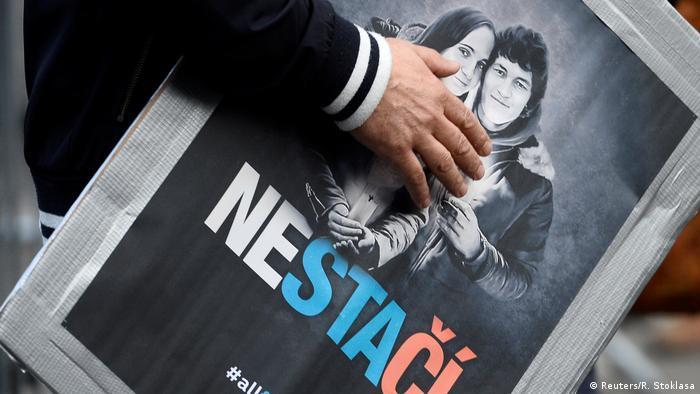 Slowakei | Tausende bei Kundgebungen für ermordeten Journalisten in Bratislava (Reuters/R. Stoklasa)
