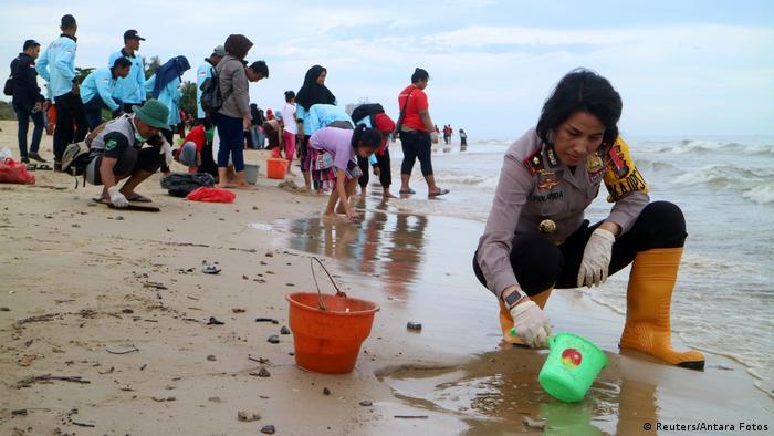 Indonesien | Ölteppich vor Borneo (Reuters/Antara Fotos)