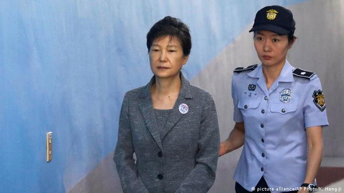 SKorean ex-Prez Park gets 24-yr jail for graft