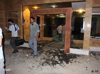 خوابگاه دانشگاه تهران که پس از حمله به آن به ویرانهای تبدیل شد