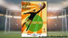 HANDOUT - Das von der FIFA am 28.11.2017 zur Verfügung gestellt Foto zeigt das offizielle Poster für die Fußball-WM 2018 in Russland. Auf dem im Sowjet-Retro-Stil gehaltenen Plakat des russischen Künstlers Igor Gurowitsch ist der frühere sowjetische Torwart Lew Jaschin zu sehen, der von 1958 bis 1970 an vier Weltmeisterschaften teilnahm und 1963 als bisher einziger Schlussmann mit dem Ballon d'Or ausgezeichnet wurde. (zu dpa «Offizielles Poster für Fußball-WM in Russland vorgestellt» vom 28.11.2017) ACHTUNG: Nur zur redaktionellen Verwendung im Zusammenhang mit der aktuellen Berichterstattung und nur bei Nennung des Urhebers: Foto: FIFA/dpa +++(c) dpa - Bildfunk+++ |