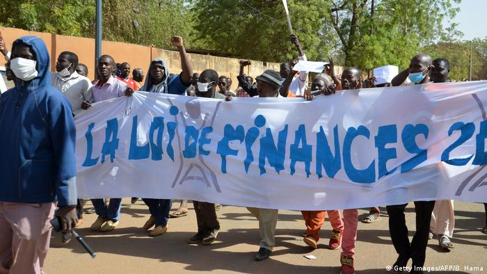 Niger Demonstration gegen Budget 2018 (Getty Images/AFP/B. Hama)