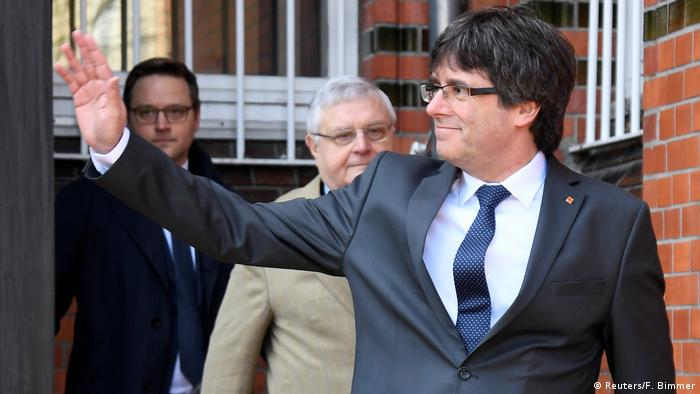 Carles Puigdemont being released from custody in Germany