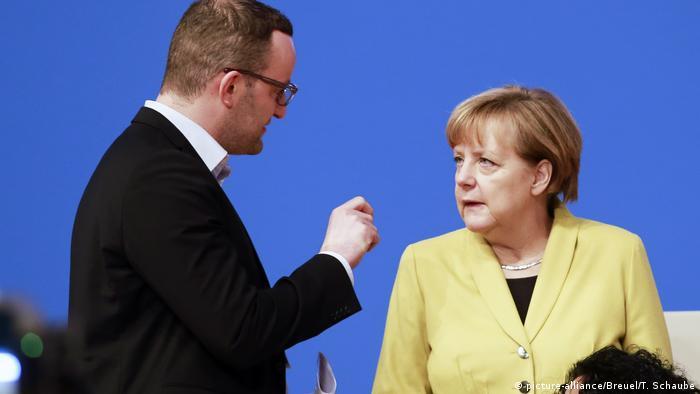 Bundeskanzlerin Merkel und Jens Spahn