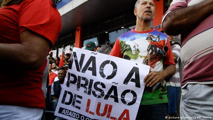Brasilianischer Richter erlässt Haftbefehl gegen Lula (picture-alliance/dpa/F. Vieira)
