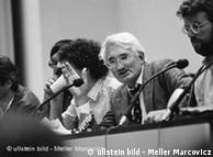 Jürgen Habermas durante el congreso convocado por su maestro, Theodor Adorno.