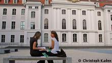 Studentinnen vor der Universität Greifswald (Foto: Christoph Kaden)